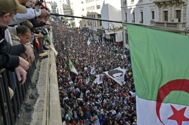 Manifestations à Alger contre l'élection présidentielle organisée par le pouvoir, le 6 décembre 2019 (AFP - RYAD KRAMDI                        )