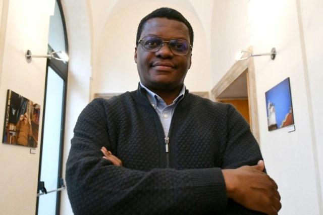 Stephen Ogongo, le référent du mouvement des Sardines, le 13 décembre 2019 à Rome (AFP - Alberto PIZZOLI)