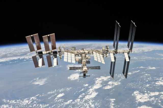 La Station spatiale internationale vue d'une capsule Soyouz le 4 octobre 2018 (NASA/Roscosmos/AFP - HO)