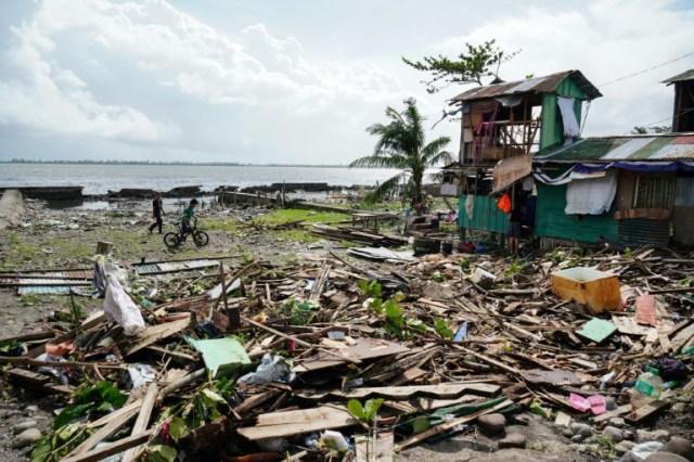 Après le passage du typhon Phanfone à Tacloban, dans le centre des Philippines, le 25 décembre 2019 (AFP - Bobbie ALOTA)