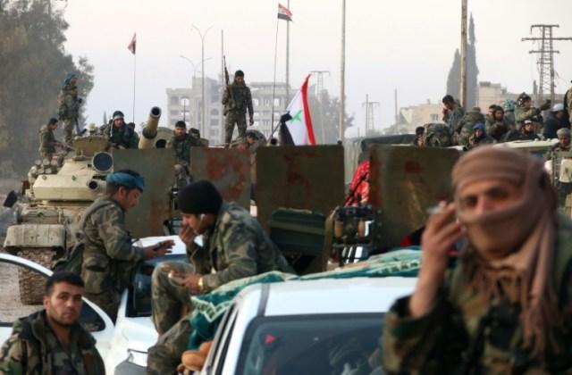 Des soldats syriens sur une route dans la province d'Alep dans le nord de la Syrie le 17 février 2020 (AFP - -)