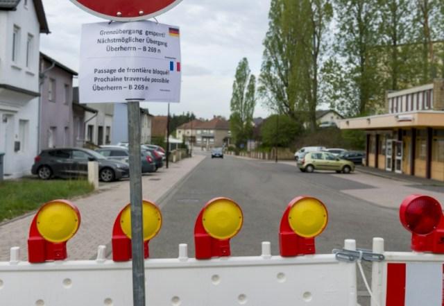 Fermeture de la frontière entre la France et l'Allemagne au poste frontière de Carling, le 18 avril 2020 (AFP - JEAN-CHRISTOPHE VERHAEGEN)