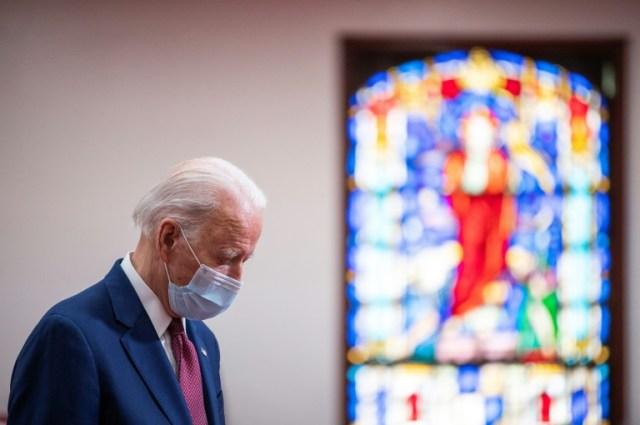 L'ancien vice-président américain Joe Biden lors d'une rencontre organisée le 1er juin 2020 dans une église de Wilmington, dans le Delaware, pour évoquer la mort de George Floyd et les inégalités aux Etats-Unis  (AFP - JIM WATSON)