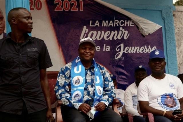 Le président centrafricain Faustin Archange Touadéra (c) lors d'un meeting de campagne, le 12 décembre 2020 à Bangui (AFP/Archives - Camille LAFFONT)