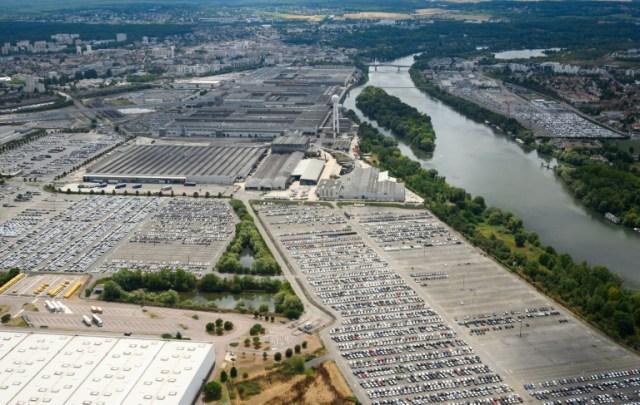 Vue aérienne de l'usine de PSA à Carrières-sous-Poissy, en région parisienne, le 8 août 2019 (AFP/Archives - Eric Feferberg)