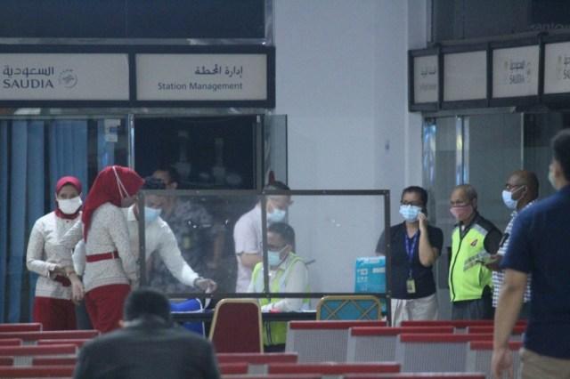 Cellule de crise à l'aéroport Soekarno-Hatta, à Tangerang près de Jakarta, le 9 janvier 2021, après la disparition d'un Boeing qui s'est abîmé en mer  (AFP - FAJRIN RAHARJO)
