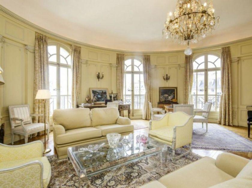 Ces riches qui bradent leurs appartements et maisons à Paris ou en banlieue  - Challenges