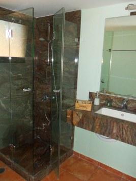Μαρμάρινο μπάνιο
