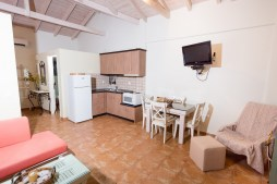 Iliodilli-chamaloni-finikounda-accommodation-2