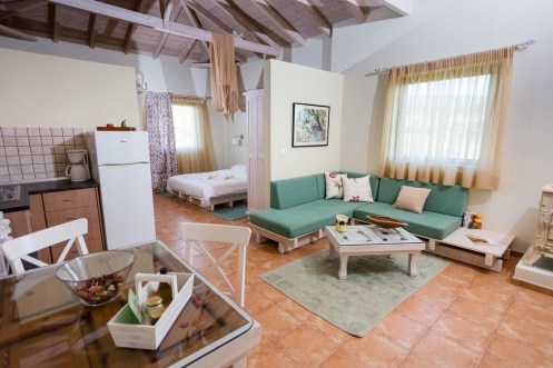 Anemoessa-chamaloni-finikounda-accommodation-4