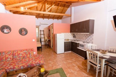 Astradiani-chamaloni-finikounda-accommodation-1