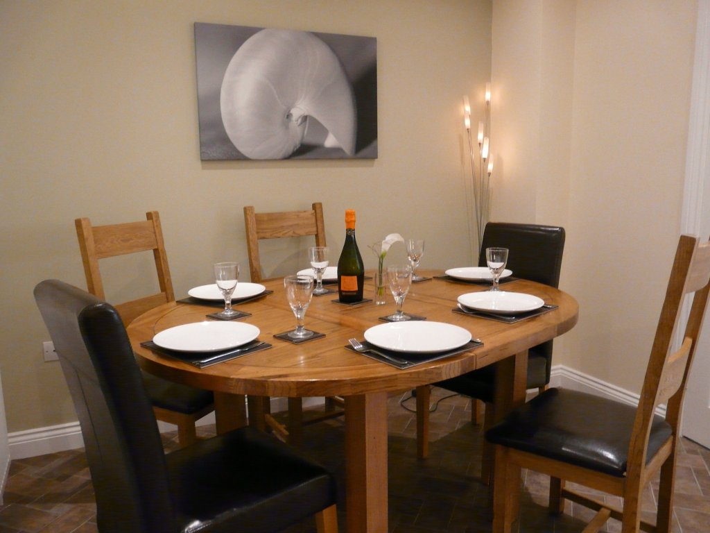 The dining area at Chandlers View holiday cottage in Whitby England