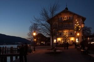 town-hall-christmas-lights-christmas-tree