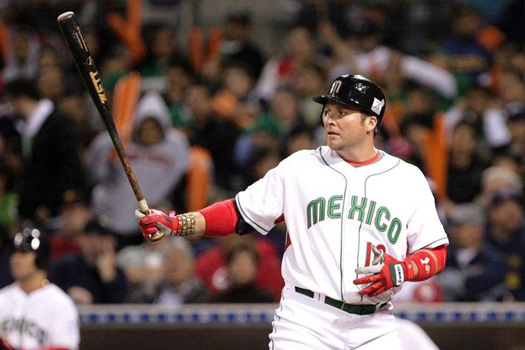 Asaltan-Y-Golpean-A-Beisbolista-Mexicano