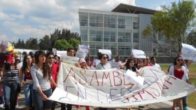 Photo of Crónica-Gráfica: Estudiantes de la UMSNH se manifiestan por la gratuidad