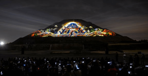 espectaculo de mapping teotihuacan