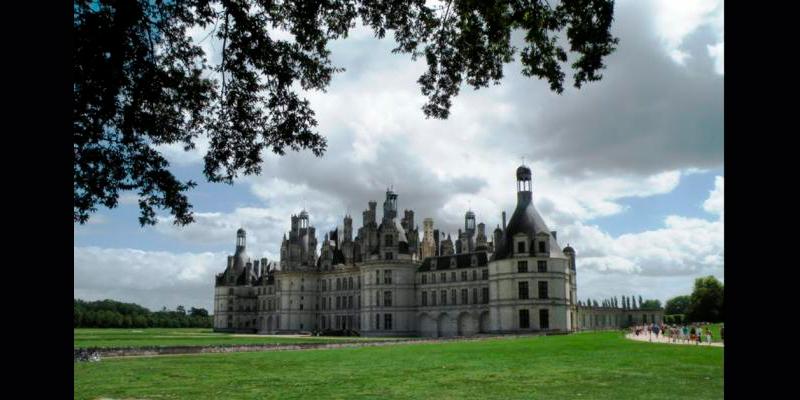 Castillo-Chambord-La-bella-y-la-bestia-película