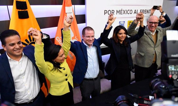 En michoac n frente se reparti ya distritos federales for Noticias de ultima hora espectaculos mexico