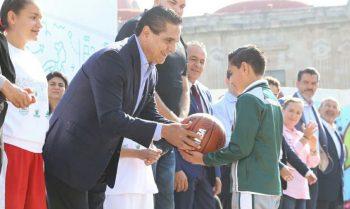 Silvano Aureoles basket
