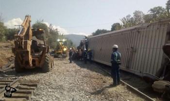 tren descarrilar Kansas City Southern Ziracuaretiro a
