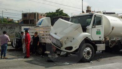 Photo of #Morelia Pipa De Pemex Choca Con Auto y Camioneta En Salida A Quiroga