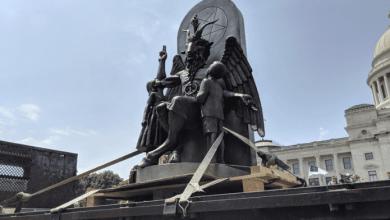 Photo of En Estados Unidos Satanistas Exigen Que Se Retire Estatua De Los 10 Mandamientos