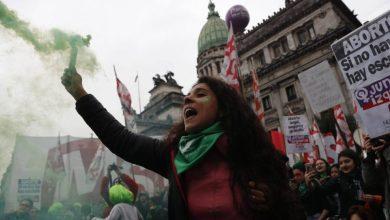 Photo of Tras 16 Horas De Sesión El Senado De Argentina Decide No Despenalizar El Aborto