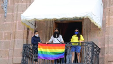 Photo of #Morelia Colocan Banderas LGBTT En Balcones De Palacio De Gobierno