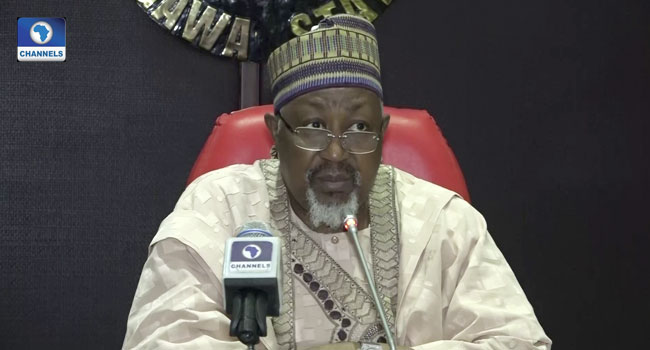 Committee on Presidential Fertilizer Initiative and the Jigawa State Governor, Badaru Abubakar, announces Federal Government's plan to reduce the price of fertiliser at the Government House in Dutse on April 15, 2020.