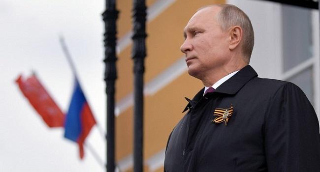 Les Russes votent dans les sondages locaux pour tester la domination du parti fidèle à Poutine
