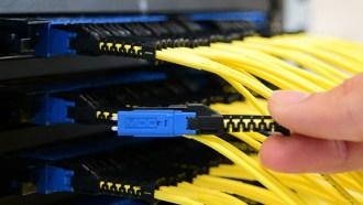 Risparmio di spazio nei data center con i connettori MDC