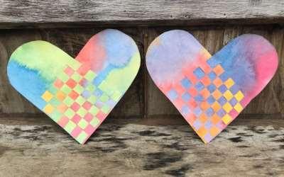 Jour 7 : Créer un coeur tressé sur papier peint à l'aquarelle