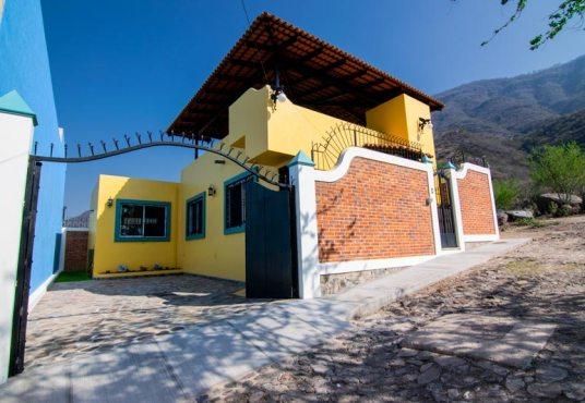HOUSE FOR SALE IN SAN JUAN COSALA