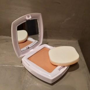 Mirror box compact cream with SPF 50 sun cream La Roche Posay