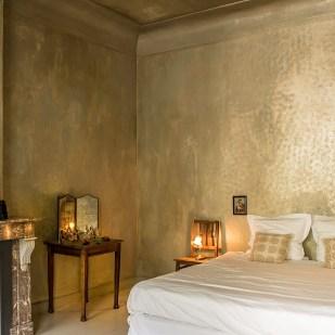 golden bedroom hotel Boulevard Leopold in Antwerp
