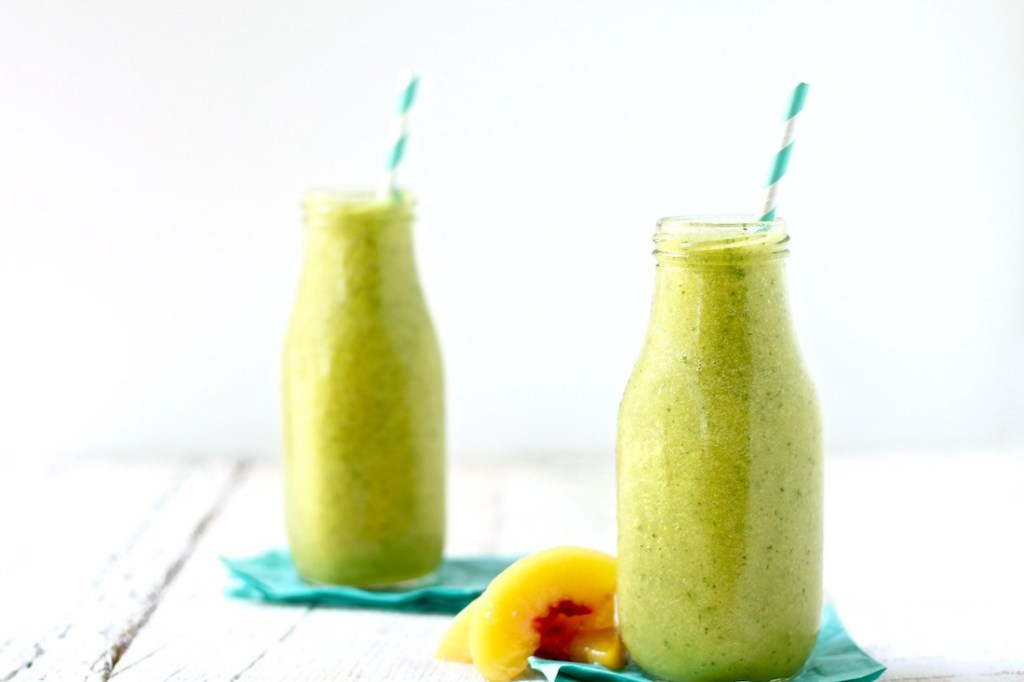 green mango peach smoothie featured image 1100 1024x682 - Green Smoothie: The Perfect Mix