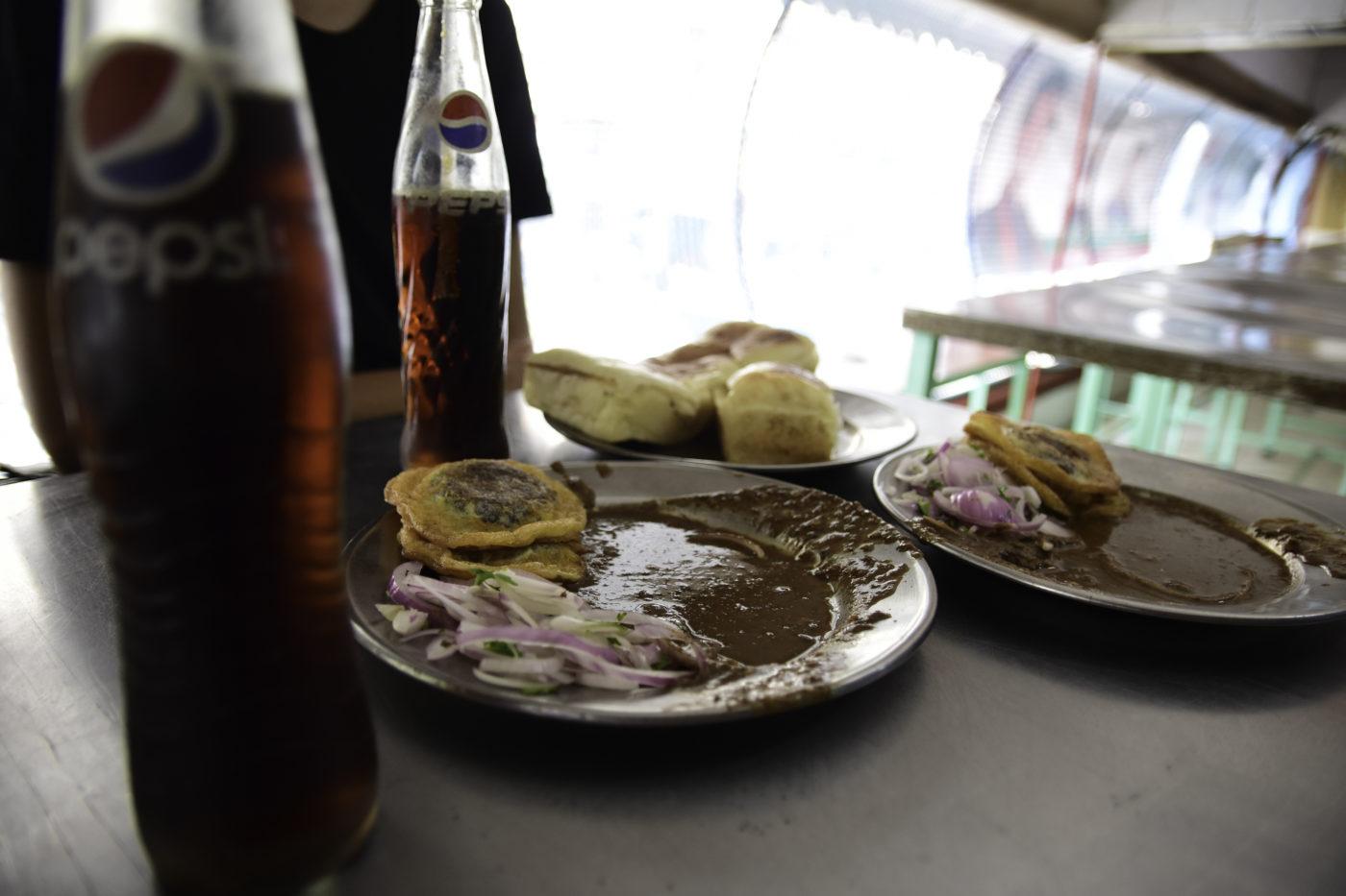 DSC 4511 - The Super Burgers of Pakistan Chowk