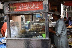 DSC 4529 - The Super Burgers of Pakistan Chowk