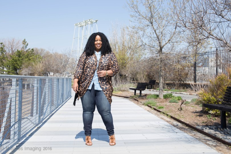 Chardline-Wearing-Plus-Size-Denim-Top-for-Society-Plus