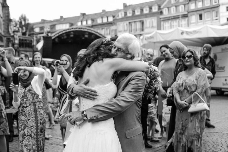 Hochzeitsreportage-Aachen-Hochzeitsfotograf-Aachen-Weisser_Saal-Eskapaden-Houda_Martin0021