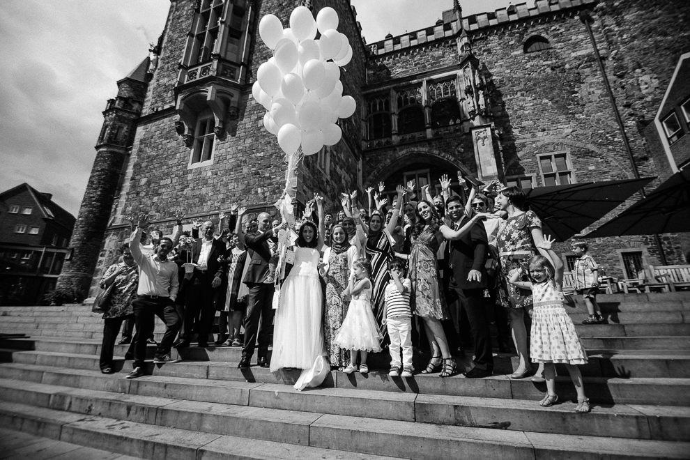 Hochzeitsreportage-Aachen-Hochzeitsfotograf-Aachen-Weisser_Saal-Eskapaden-Houda_Martin0080