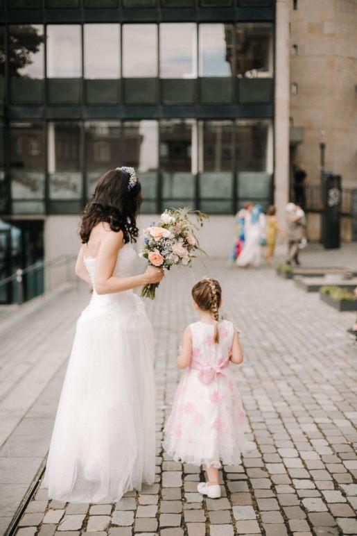 Hochzeitsreportage-Aachen-Hochzeitsfotograf-Aachen-Weisser_Saal-Eskapaden-Houda_Martin0090