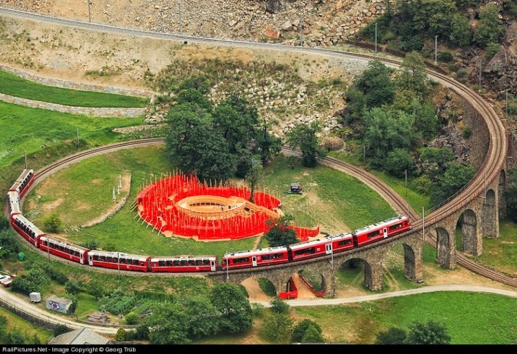 brusio-spiral-viaduct-8[5]