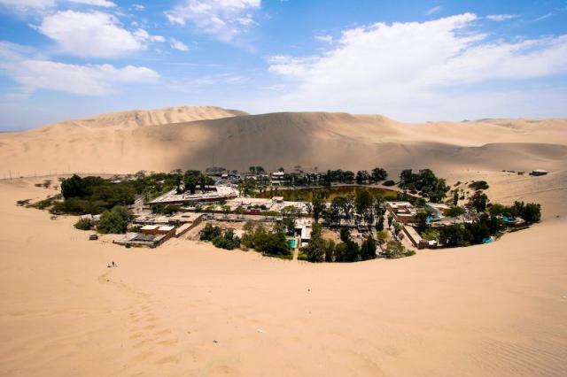 Oasis_in_Peru