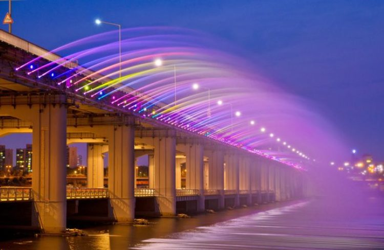 Charismatic Planet Moonlight Rainbow Bridge In Seoul Korea8