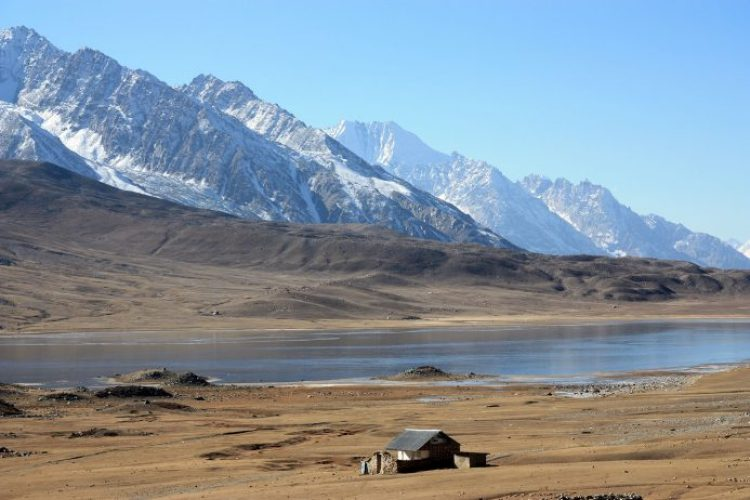 Lake shandur pass
