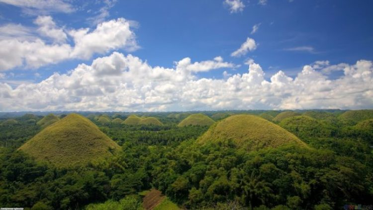 Chocolate Hills, Philippines 09