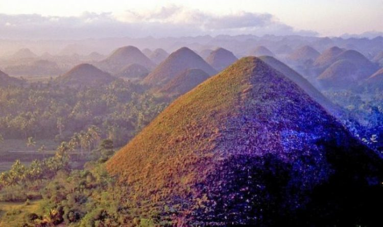 Chocolate Hills of Bohol Philippines1