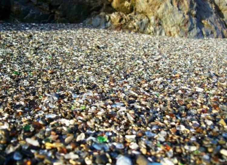 Sparkling Glass Beach of California1