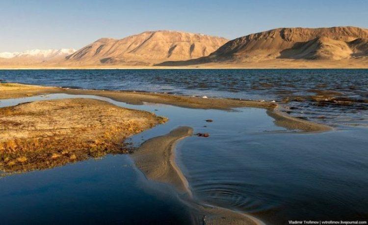 Tarakul Lake in Tajikistan10